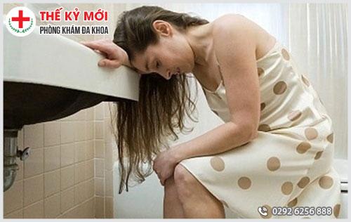 Đại tiện ra máu là biểu hiện chủ yếu của bệnh trĩ