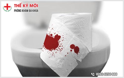 Đi cầu ra nhiều máu